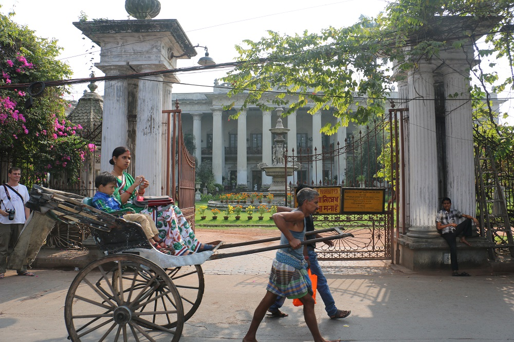 "India: Kolkata ""A great soul remains from its glorious past"""